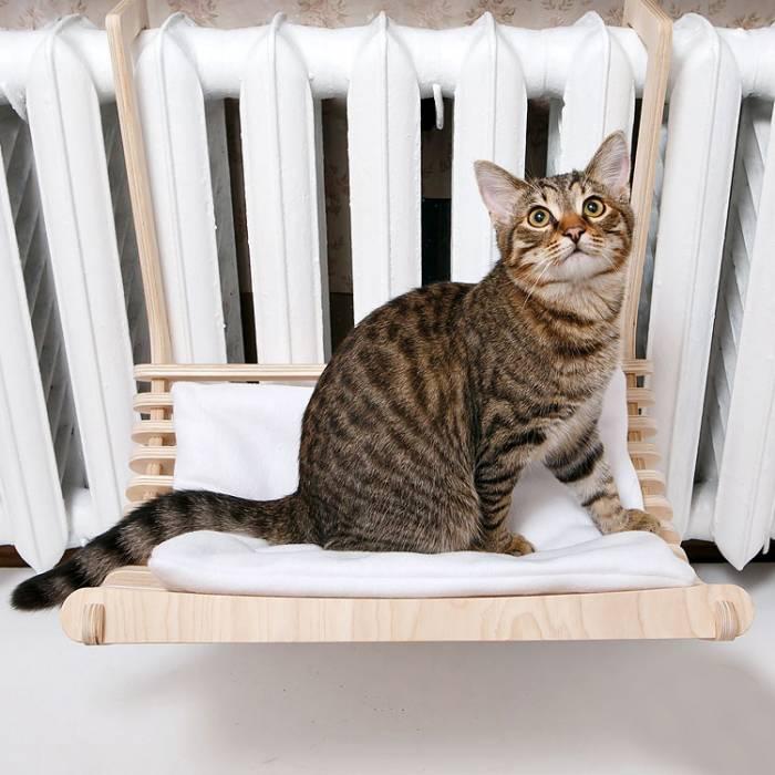 Гамак для кошки своими руками: как сделать лежанку коту на батарею или окно?