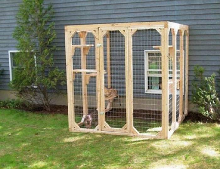 Делаем домик для кошки самостоятельно!