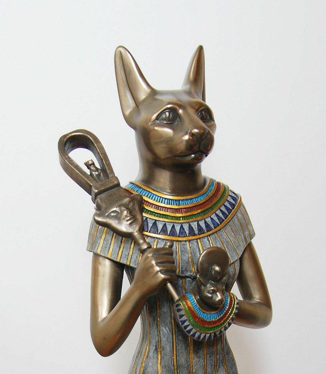 Себек - бог воды и розлива нила в древнем египте в образе крокодила