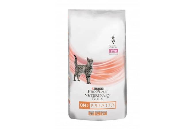 8 лечебных кормов для кошек при мочекаменной болезни: рейтинг, чем кормить кота